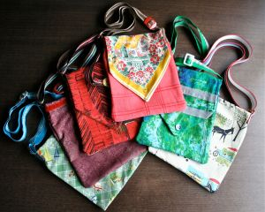Vintage material shoulder bags